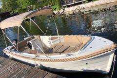 silver-495-sylwetka-łodzi